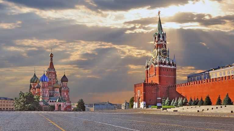 НАЦИОНАЛЬНЫЙ ВЕКТОР РАЗВИТИЯ РОССИИ В УСЛОВИЯХ ПРОТИВОСТОЯНИЯ С ЗАПАДОМ