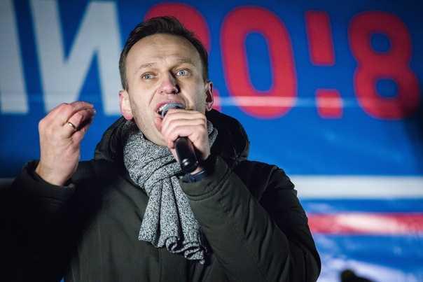 Пока Навальный лежит в коме, его соратники раскручивают медиакампанию перед Единым днем голосования