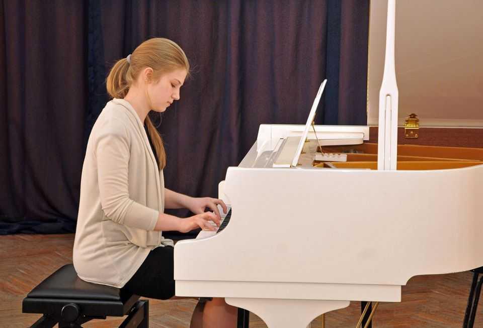 Педагог школы №2120 входит в топ-20 лучших учителей музыки столицы