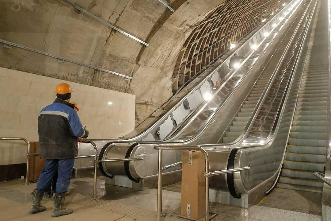 «Метрострой» не справляется со своими обязанностями: что происходит в питерском метро?