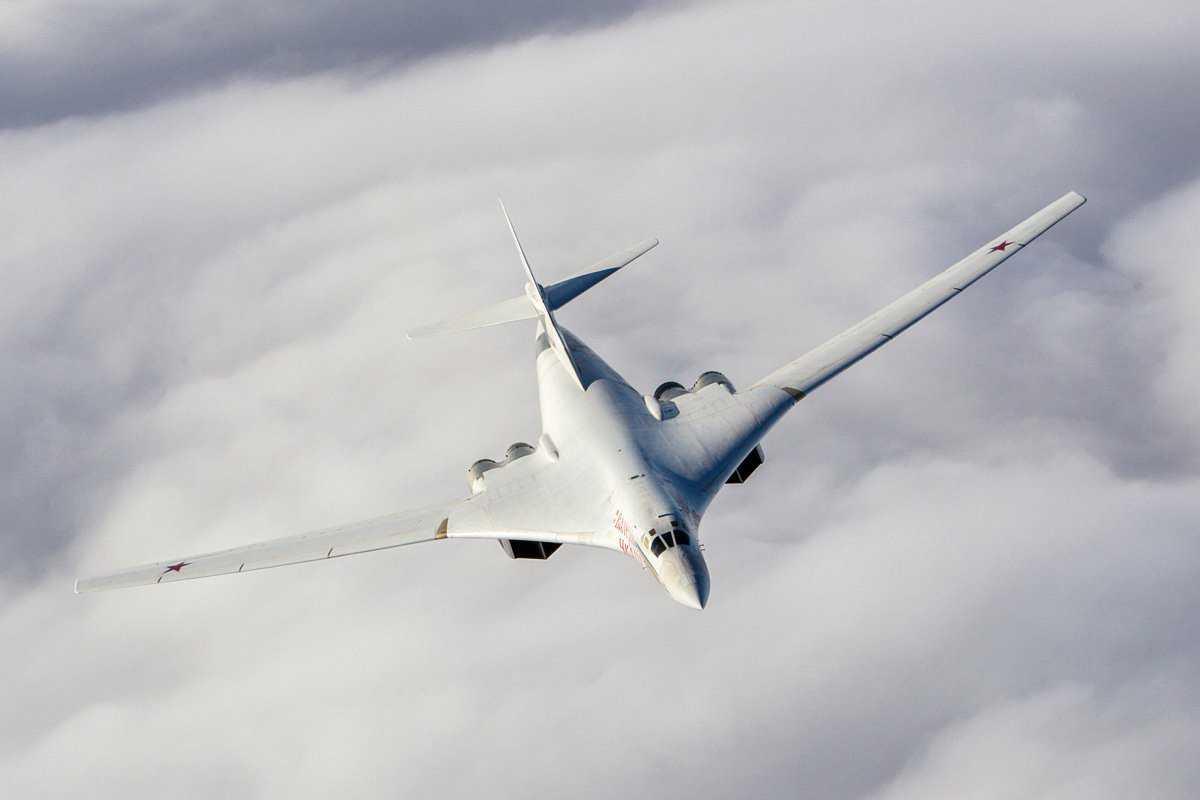 Раскрыт секрет окраски стратегических ракетоносцев Ту-160