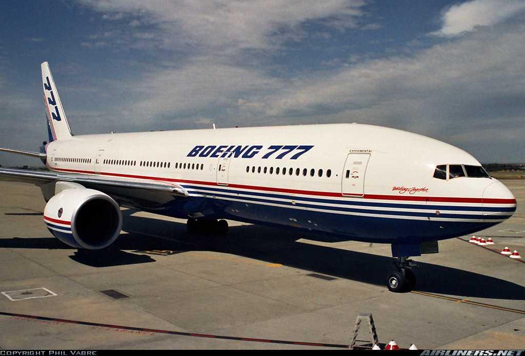 Boeing посоветовала авиаперевозчикам приостановить полеты лайнеров 777