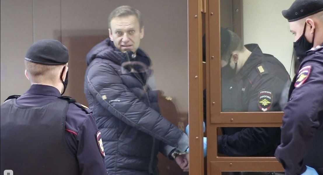 Навальный взят на профилактический учет как лицо, склонное к побегу