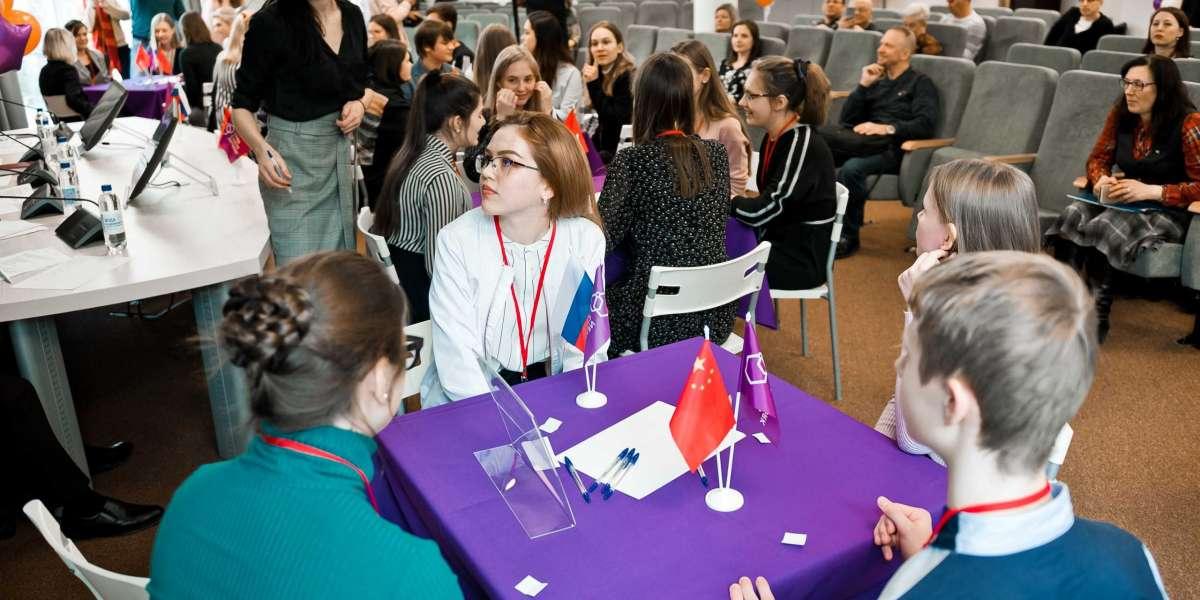 Российских школьников приглашают принять участие во всероссийских олимпиадах по китайскому языку и экономике и культуре