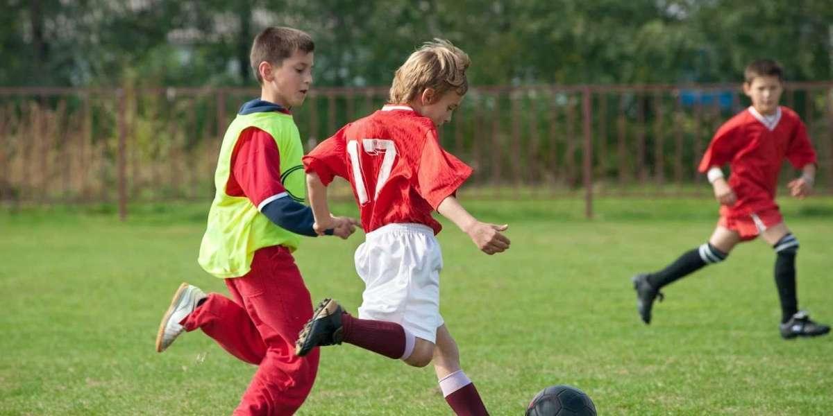 Кто спонсирует мурманских юных футболистов