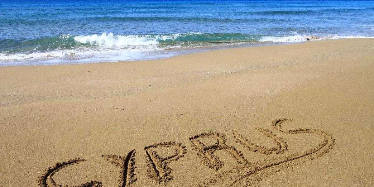 Кипр ужесточил для туристов условия пребывания на курорте